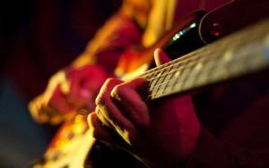 Видео-курсы по обучению игре на гитаре